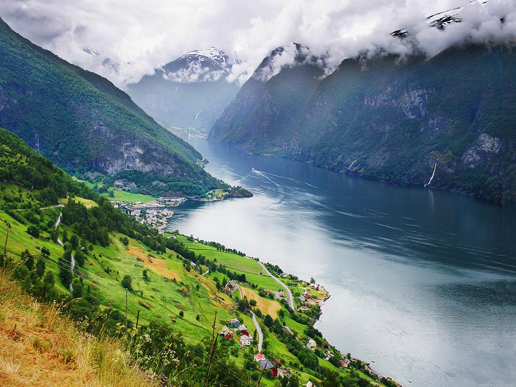 【舌尖上的北歐】4國雙峽灣_挪威三文魚體驗+哥德堡海鮮大餐+芬蘭風味鹿肉餐+波羅的海豪華跨國游