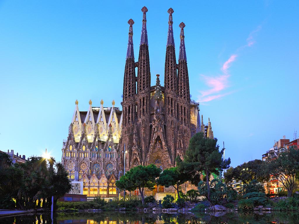 一价全含 金牌西葡12日 1晚五星级马德里皇宫阿尔罕布拉宫圣家族教堂桂尔公园人骨教堂罗卡