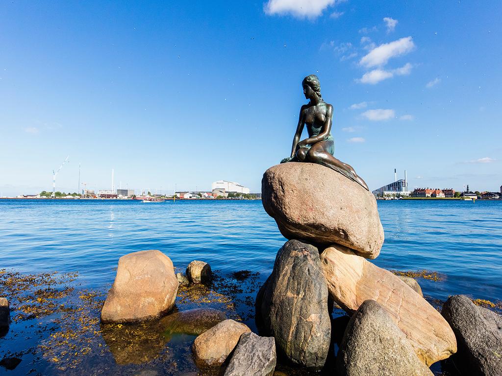 【最挪威 縱貫四峽灣】 一價全含·尊品挪威+丹麥深度_大西洋之路+松恩游船+哈當采摘+登布道石
