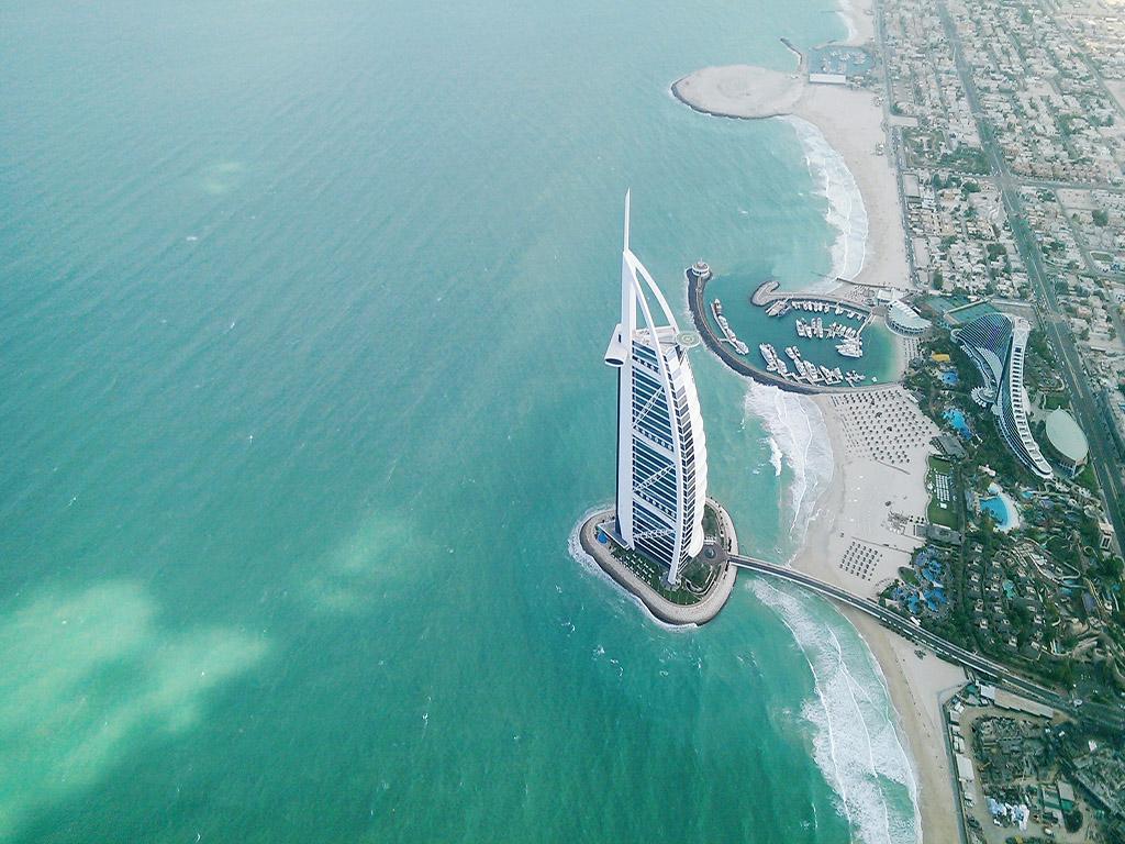 沙海星空 迪拜萬豪+沖沙+阿拉伯木船舒享