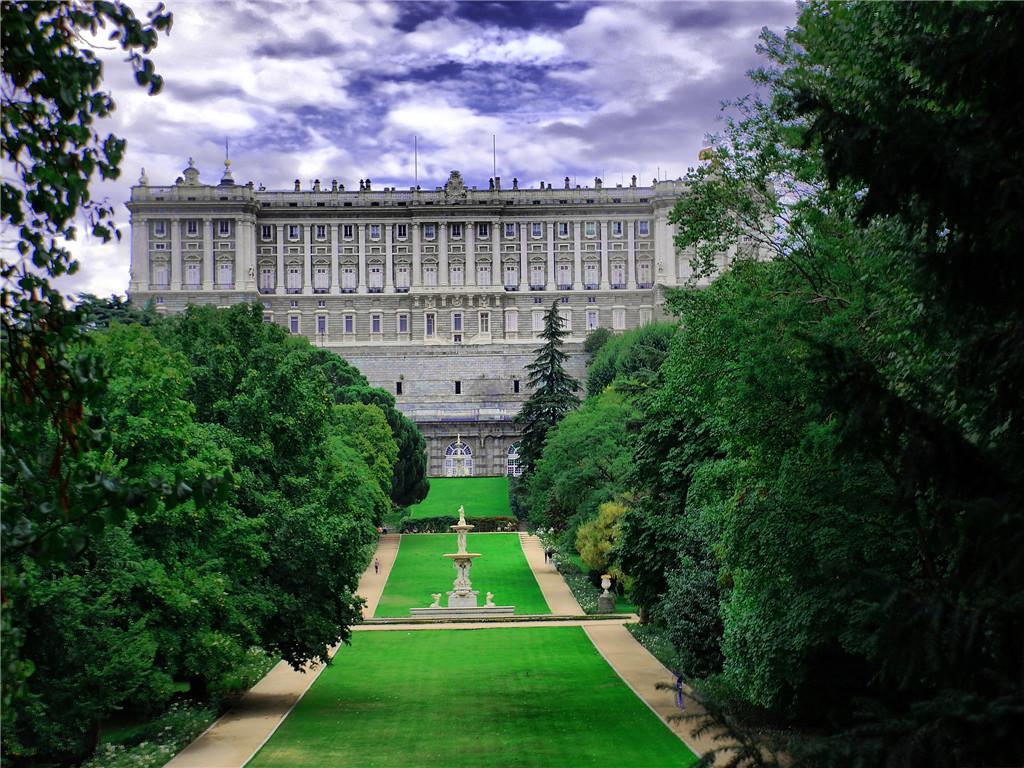 【摩洛哥西葡】 舍夫沙萬 大力神洞 佛拉明戈 馬德里皇宮 圣家族大教堂 桂爾公園 特色美食