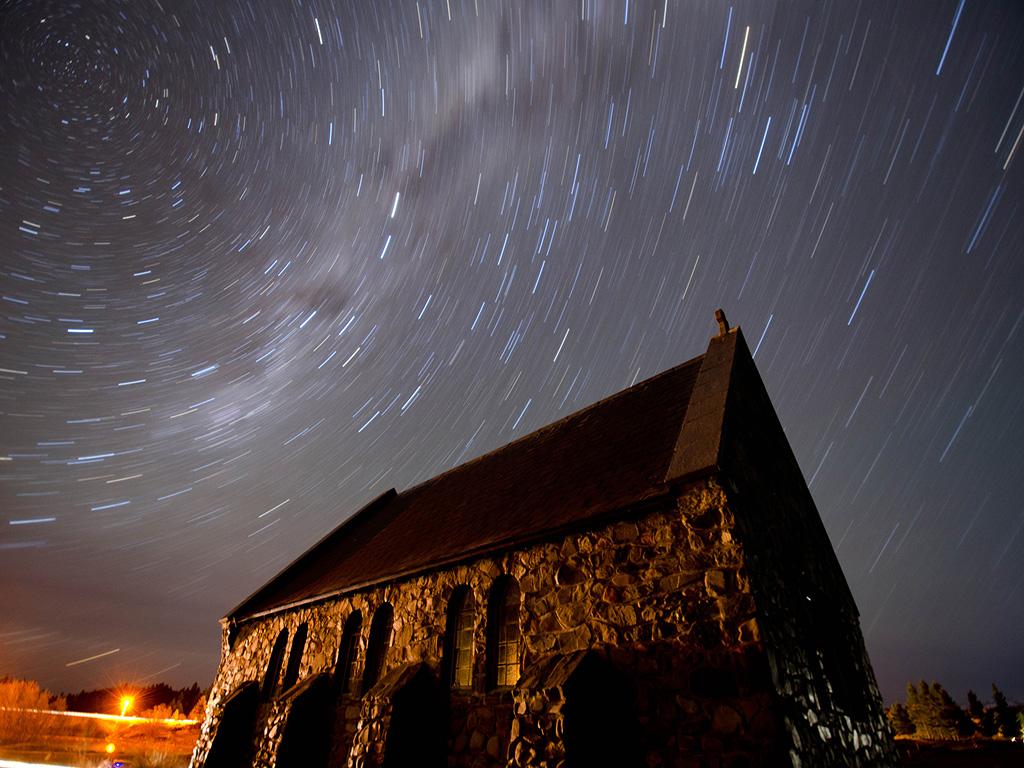 荣耀穿越 · 新西兰一地南北岛_CA_全程4星级_雅芳泛舟_好牧羊人教堂_wanaka湖_水果小