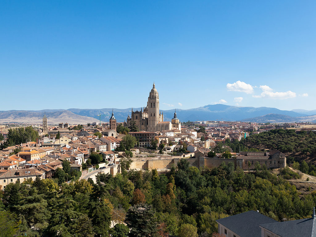 西班牙葡萄牙+全程含餐+阿宫花园+酒庄品酒 +弗拉明戈+高迪建筑+outlets10晚12日